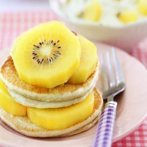 Kiwi vàng có thể kết hợp với bánh ăn tuỵệt vời
