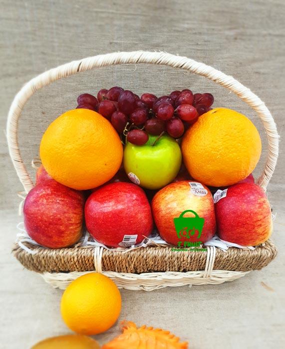 Tạo khối đế vững cho giỏ trái cây quà tặng