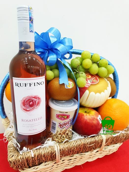 giỏ trái cây kèm rượu chất lượng