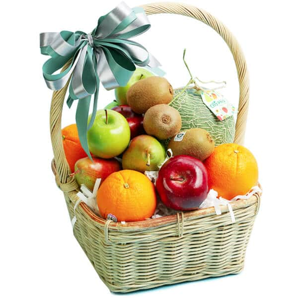 Giỏ trái cây sinh nhật đơn giản nhưng đẹp